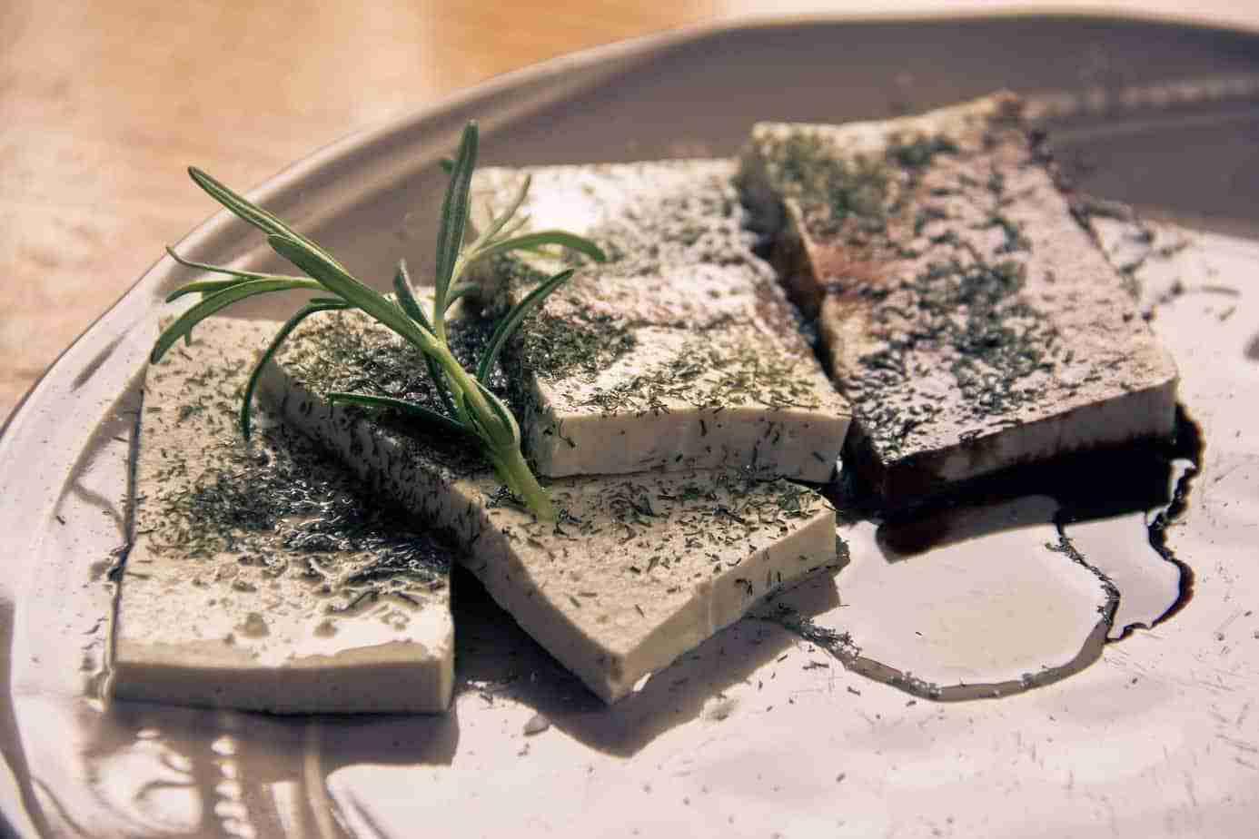 Il-tofu-cos-è-e-come-cucinarlo-cinque-gusti