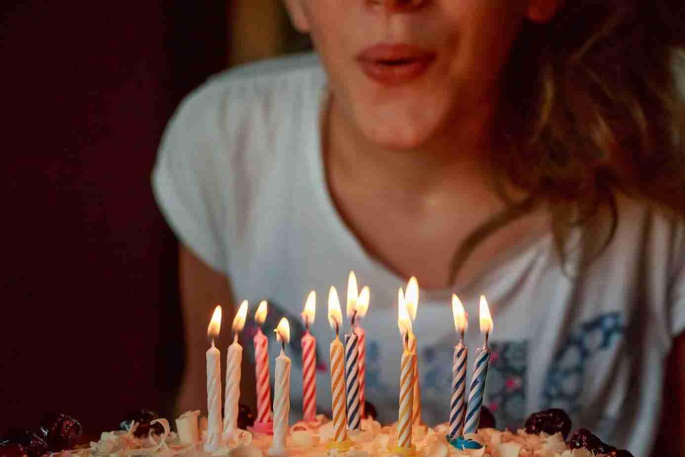 torta di compleanno fatta in casa