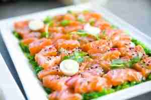 pesce-crudo-rischi-cinque-gusti